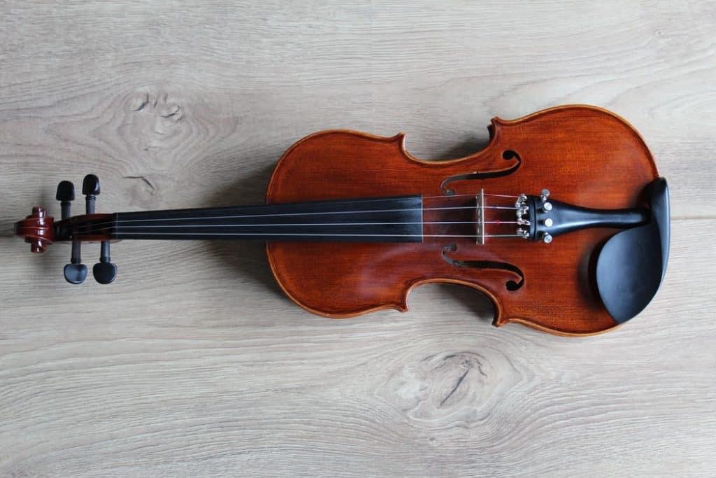 violin manufacturers