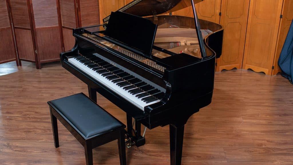 baby grande piano