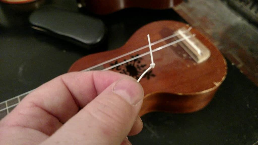 how to string a ukulele diagram